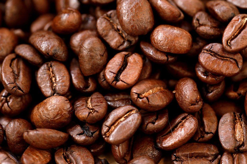 收成差加需求高,咖啡豆價格飆漲。路透