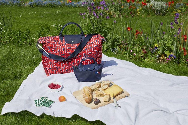 時尚品牌Longchamp特別推出法國國慶日限定系列。圖/Longchamp提供