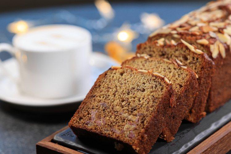 濕潤的香蕉磅蛋糕,一直是太魯閣旅行中迷人的滋味。圖/太魯閣晶英提供