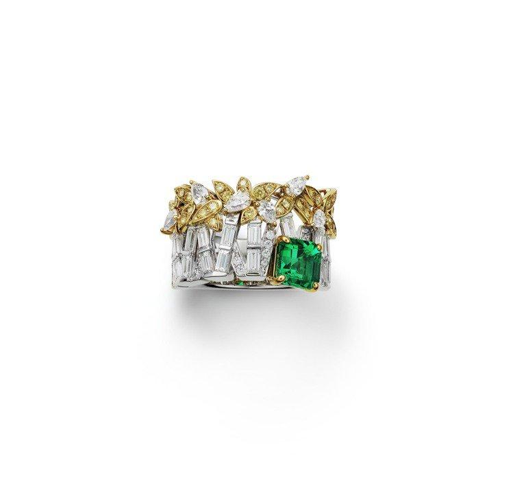 令人聯想到宛如竹節或圍籬的珠寶戒指,神來一筆的祖母綠,展現不規則的動態之美,價格...