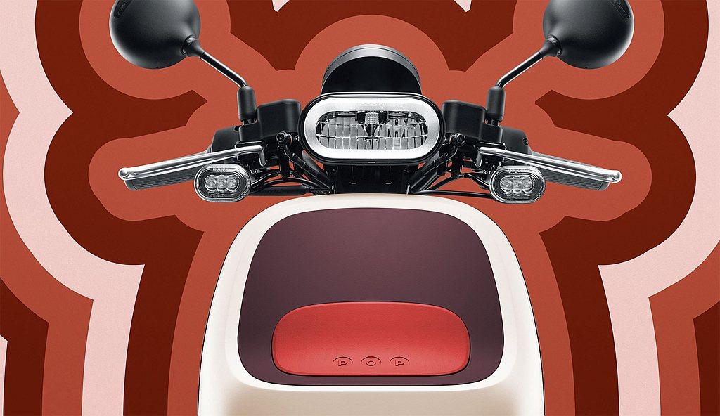 Gogoro VIVA XL配備超亮全時頭燈,由德國照明大廠歐司朗OSRAM生產...