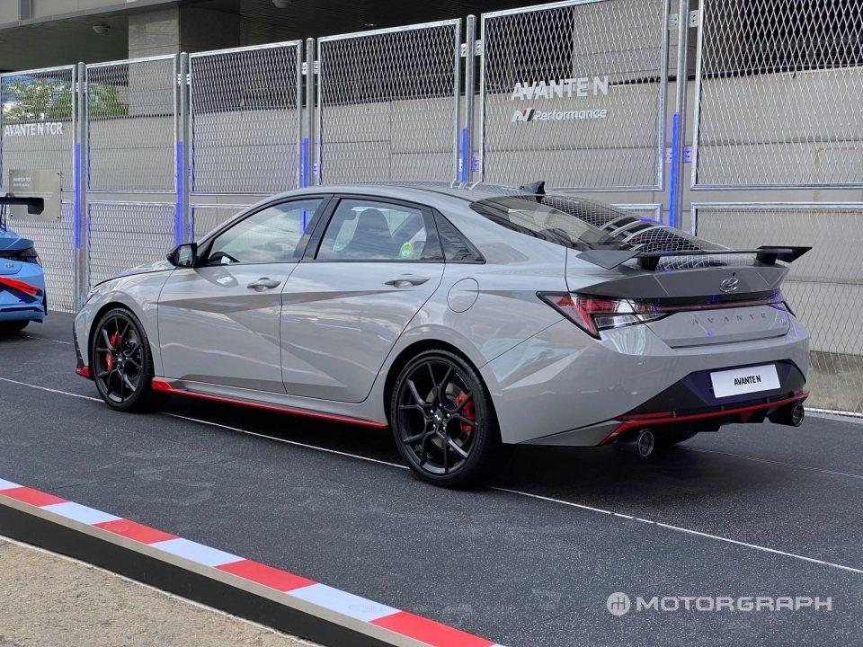 全新Hyundai Avante/Elantra N正式發表外,也於自家韓國市場...