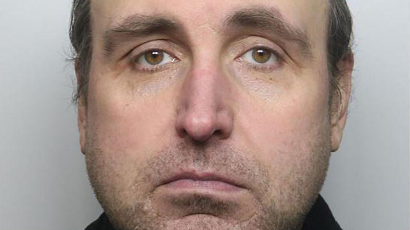 49歲啃老族在父親住院時盜領戶頭230萬花用。圖/取自mirror