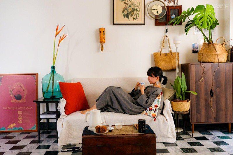 宅在家也能度假!增添儀式感來場在家旅行練習簿。