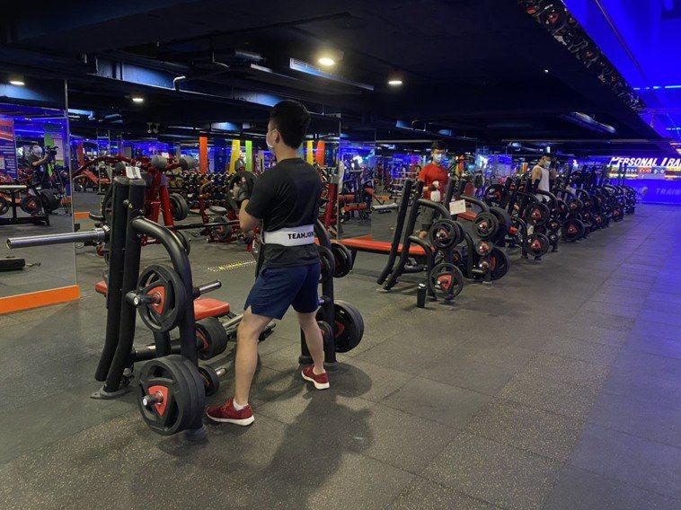 健身房微解封,專業建議恢復運動需採漸進調整。圖/WorldGym提供