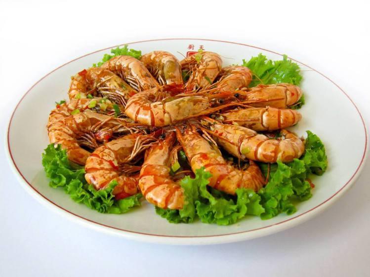 天廚菜館的鹽酥活蝦。圖/摘自天廚菜館官方臉書。