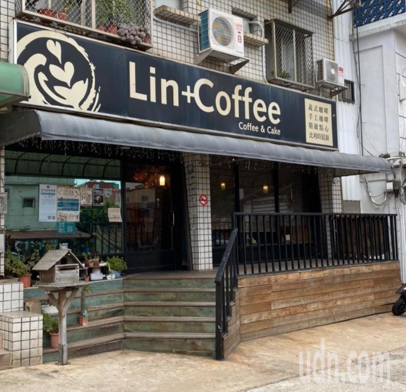 新冠肺炎疫情重創觀光產業,金門第一家專業咖啡Lin+咖啡店近日也歇業,讓不少咖啡迷覺得可惜。記者蔡家蓁/攝影