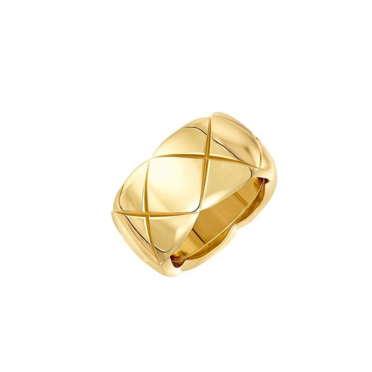 CHANEL Coco Crush 18K黃金戒指大型款,11萬元。圖/香奈兒提...