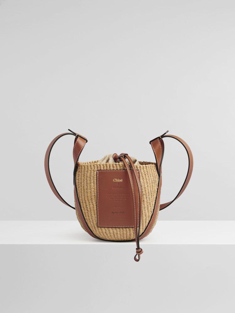 Basket國際公平貿易組織合作編織水桶包,25,100元。圖/Chloé提供