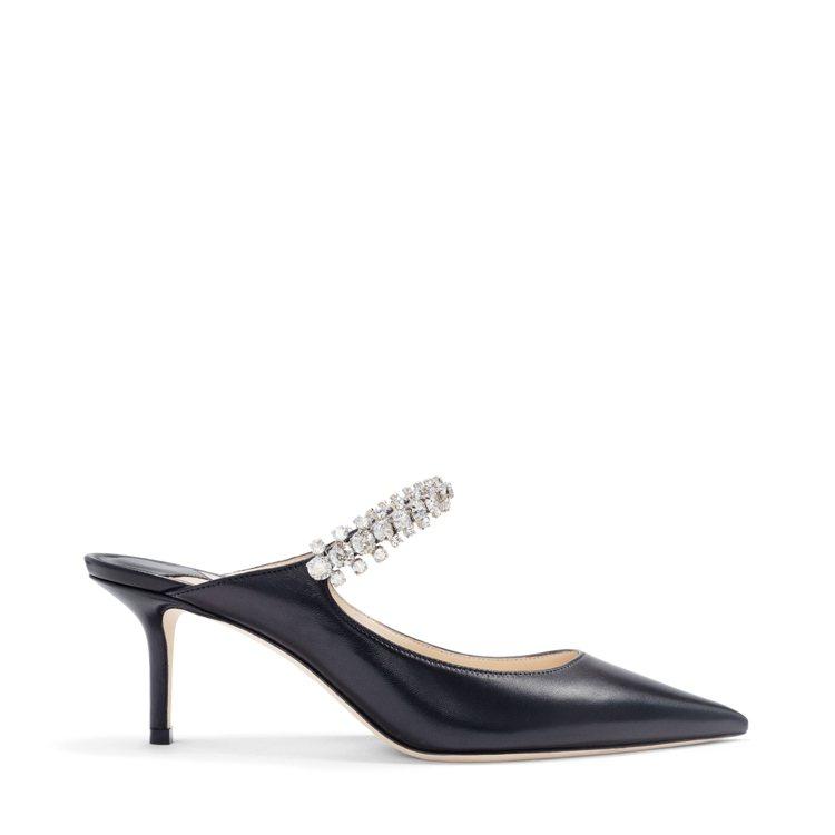 BING珍珠穆勒鞋,40,800元。圖/JIMMY CHOO提供