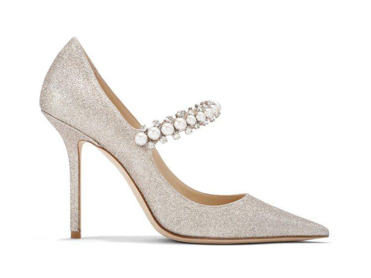 BAILY珍珠高跟鞋,48,800元。圖/JIMMY CHOO提供