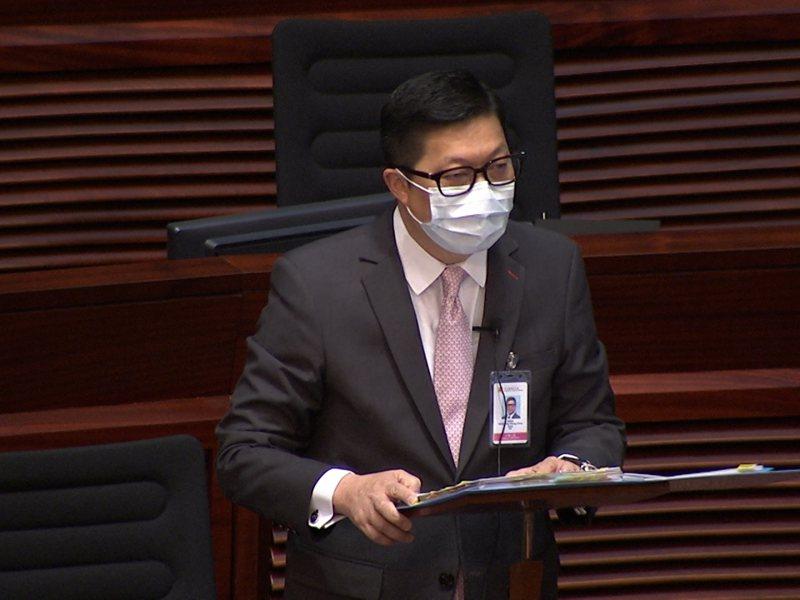 香港保安局長鄧炳強說,警方評估不排除可能出現孤狼式襲擊。香港電台