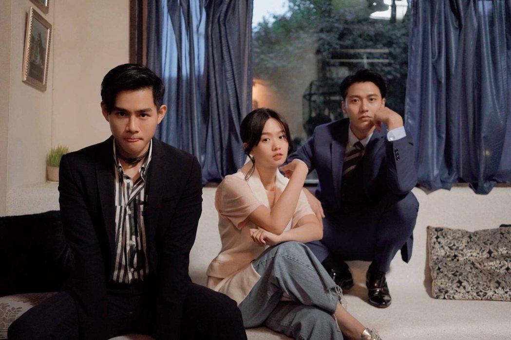 張睿家(右起)、嚴正嵐、李齊主演「我的老闆是隻貓」。圖/七十六号原子、myVid
