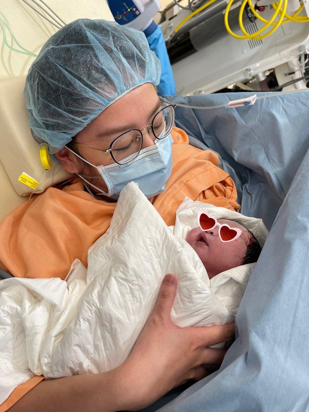 陶嫚曼最近剛生完第二胎。 圖/擷自陶嫚曼臉書