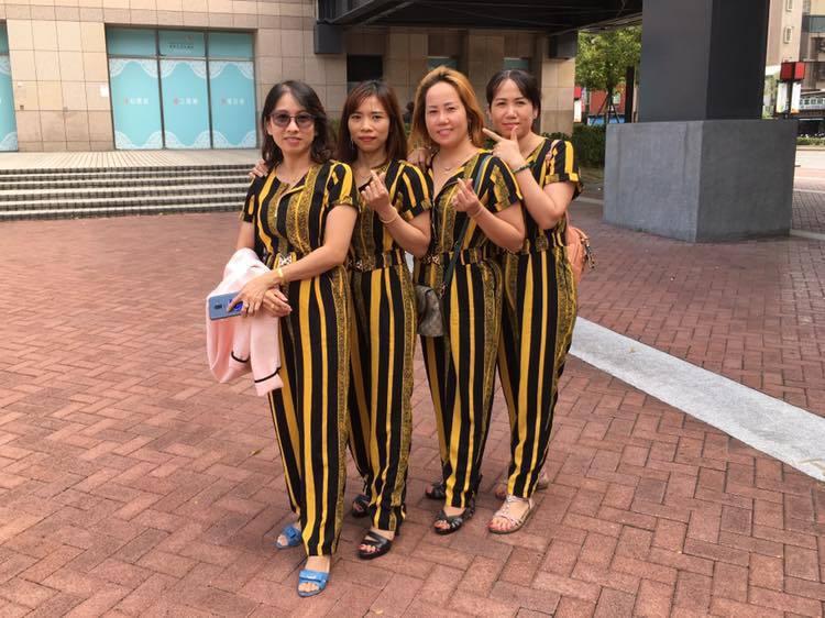 圖為2019年,「越窩」姐妹的下午茶聚會,大家相約穿了姐妹裝。 圖/摘自「越窩越...