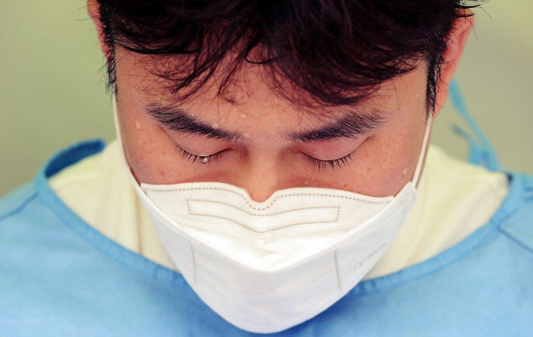 「南韓現在防疫正處於最大危機!...我們已有無處可退的覺悟了。」南韓疫情的第4波...