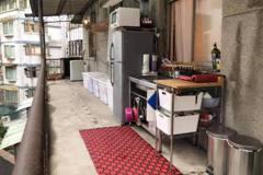 半露天陽台變開放式廚房讓人稱奇 設計師一看問題很大