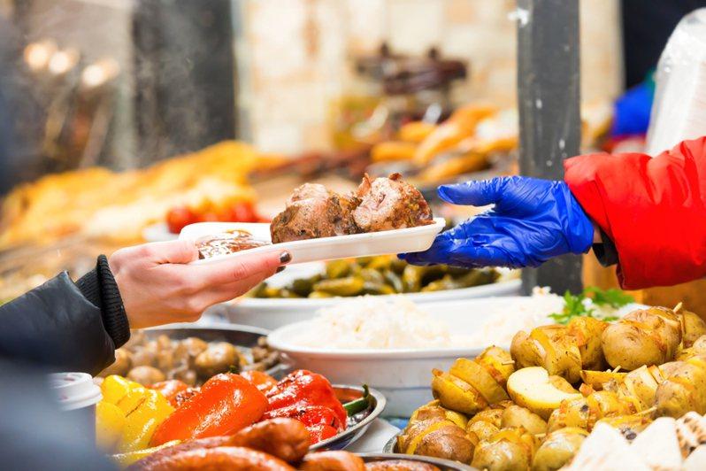 販售美食小吃的攤商示意圖。圖/ingimage