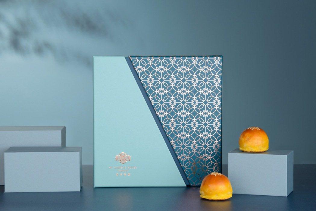 寒舍集團「頌月曲」蛋黃酥禮盒。