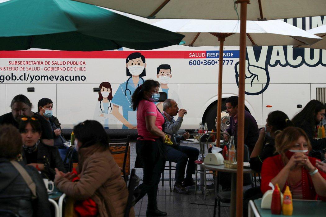 因刺激措施和疫苗接種率高帶動成長,智利央行14日決定升息1碼抗通膨。路透