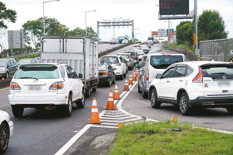 7月18日及25日暫停實施國5北向高乘載管制。示意圖,與新聞無關。圖/讀者提供