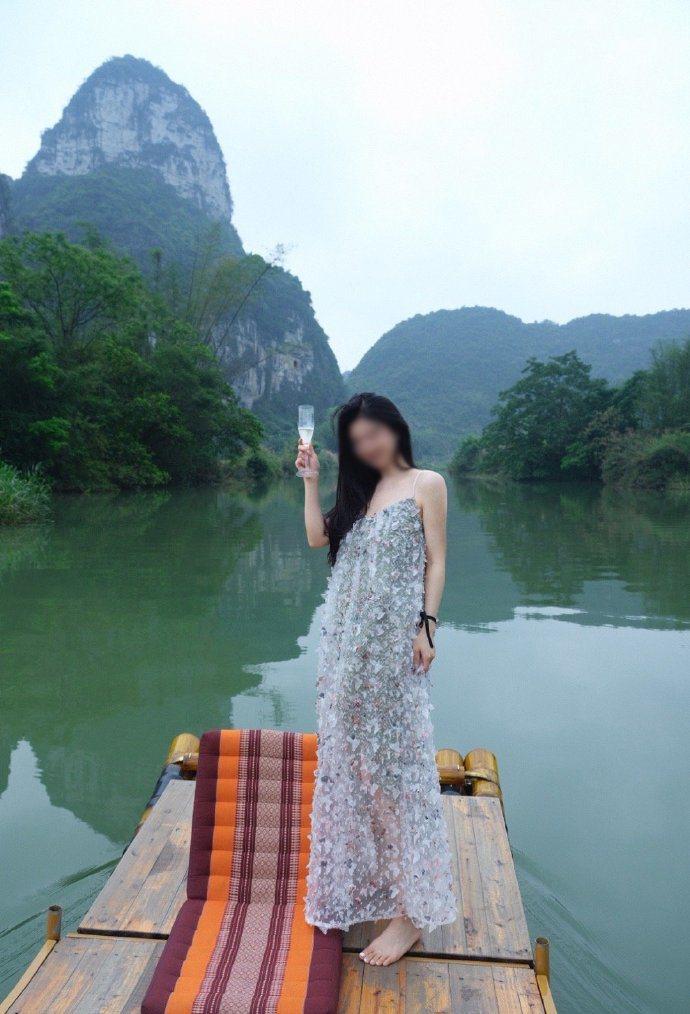 杭州知名美女網紅「小冉」因抽脂感染不幸去世。(取自《觀察者網》)