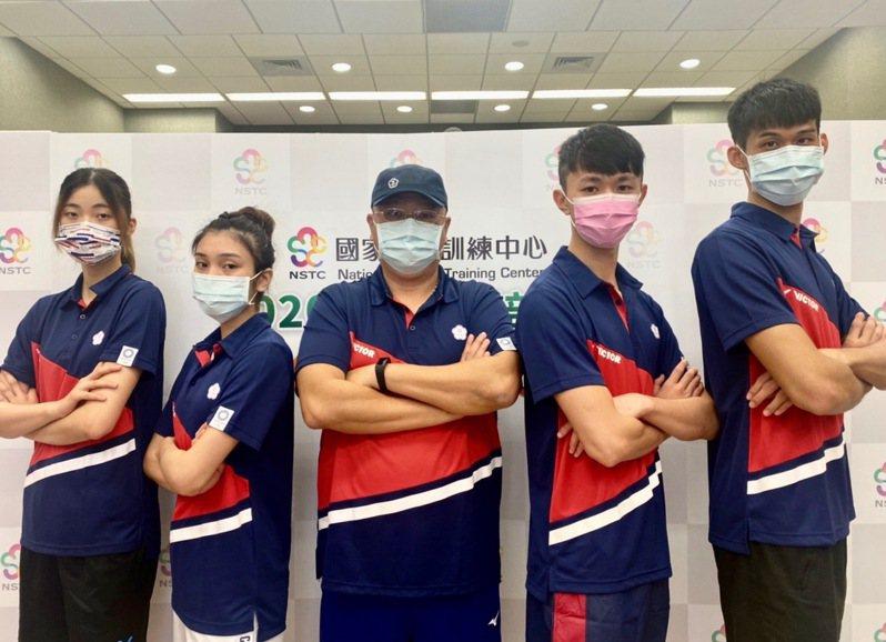 東京奧運跆拳道中華代表隊滿額出征,女子49公斤選手蘇柏亞(左二)透露意象訓練幫助。圖/國訓中心提供