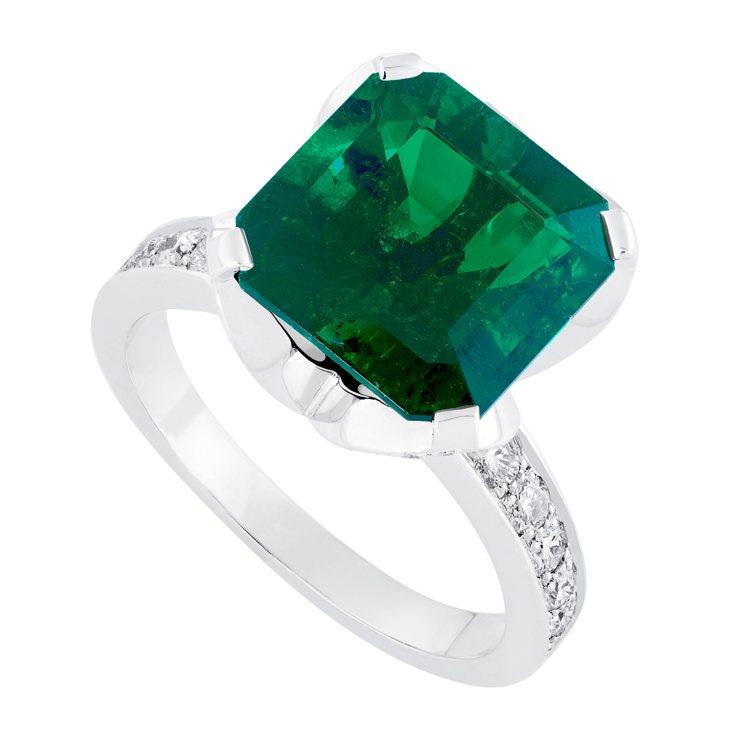 FRED高級珠寶系列5.83克拉祖母綠型切工天然哥倫比亞祖母綠鑽戒,650萬8,...