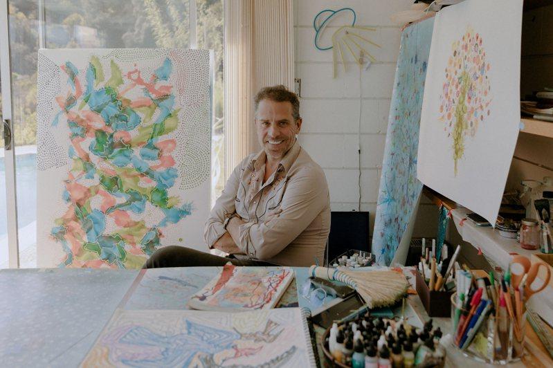 拜登總統之子杭特.拜登(圖)即將開畫展賣畫,白宮為此與藝廊達成一份協議,卻引發批評。圖/取自紐約時報