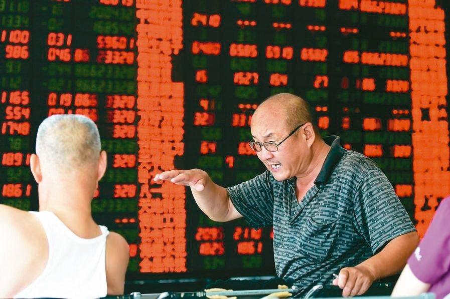 人行降準,為市場注入流動性,有利股市表現。 (本報系資料庫)