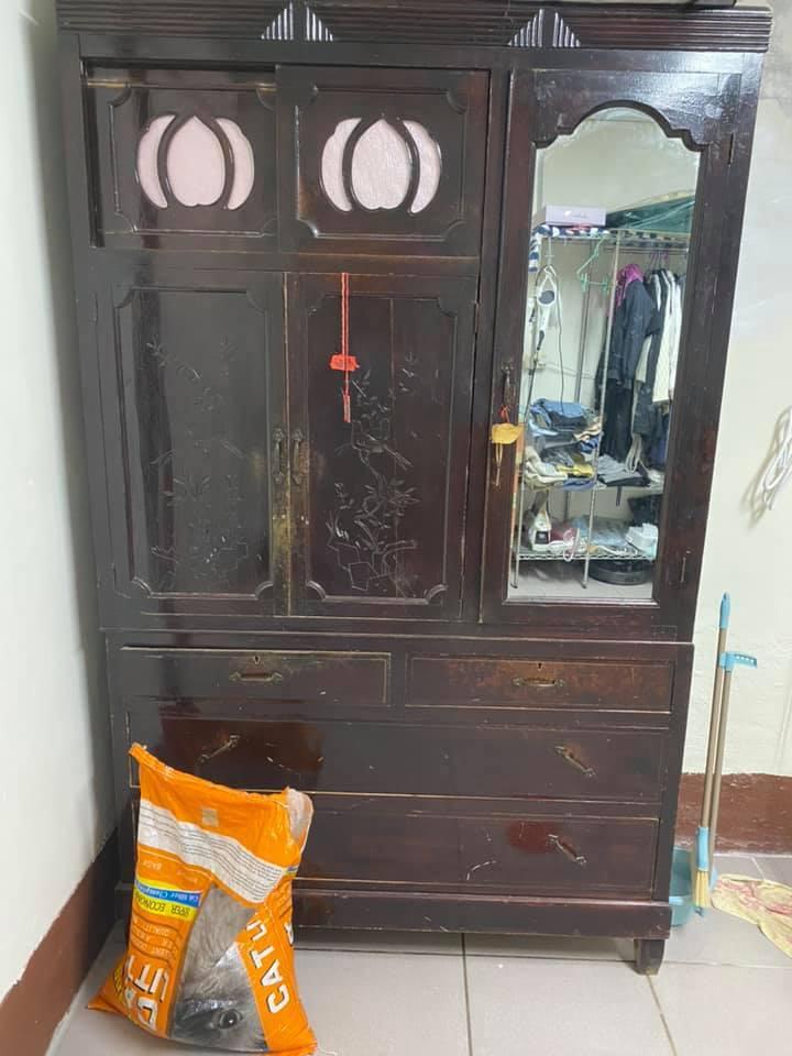 一名女網友家中的實木櫃常常發生聲響,她上網求助得到的答案其實是「熱脹冷縮」的關係...
