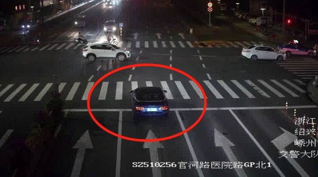 中國大陸1名男子為了取悅心儀女生,不惜答應以違規駕駛的方式代對方報復前男友。(微博圖片)