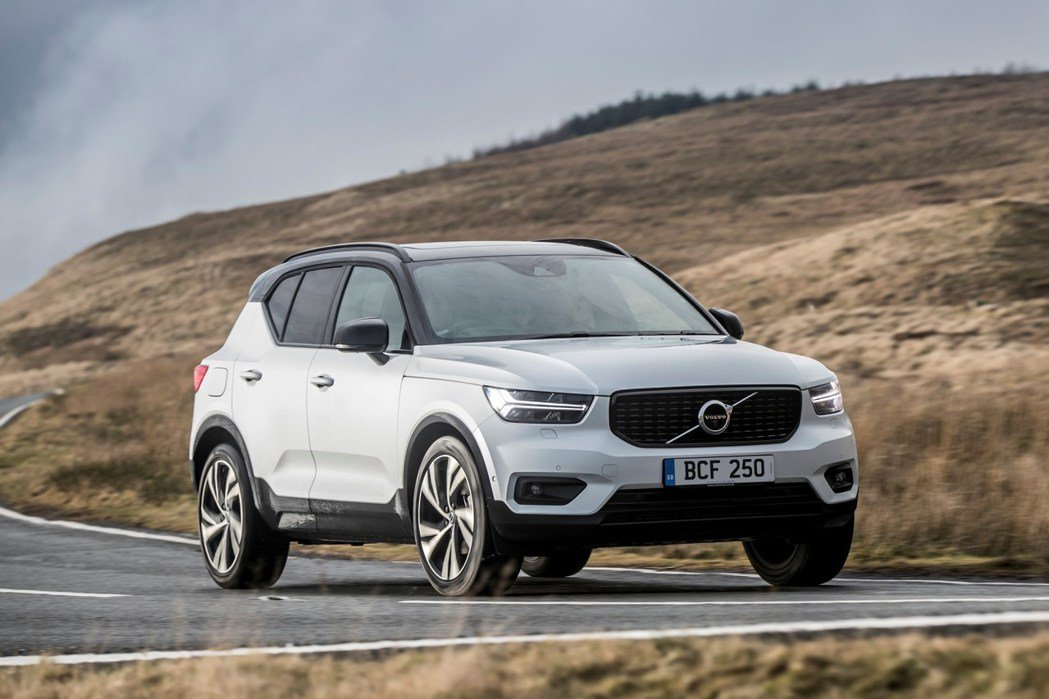 Volvo XC40 自 2018 年發表至今,深獲全球市場肯定,近期再獲英國權...