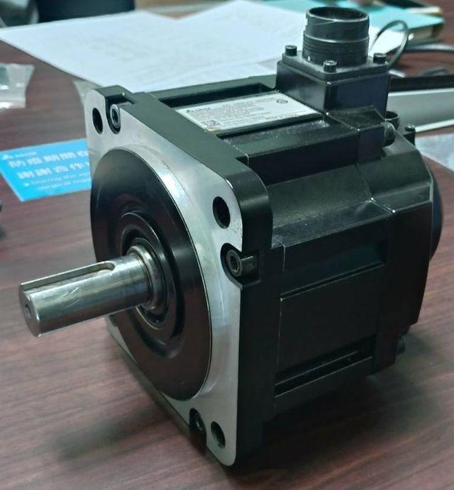 再生碳纖維再製為伺服馬達背蓋部件(一)。 工業局/提供