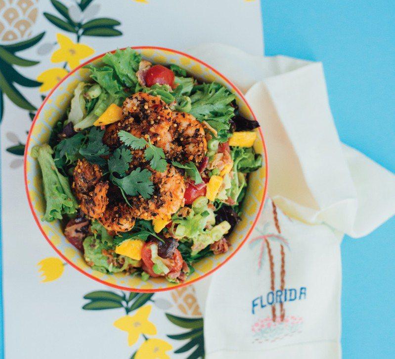 紐奧良綜合香料鮮蝦沙拉。攝影/艾莉森.斯萊特利、出版社/潮浪文化提供