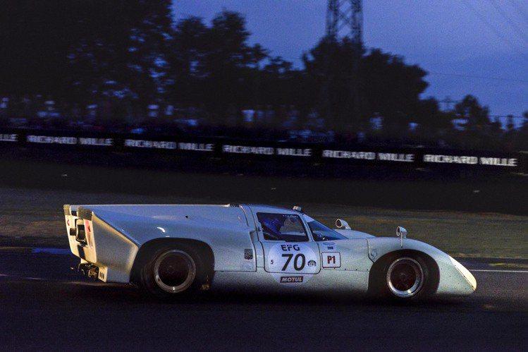 利曼經典賽同為24小時之久,但車手必須駕駛1980年以前的古董賽車,讓賽道上洋溢...