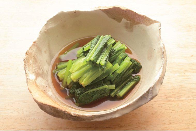 燙青菜浸高湯 圖/出版社提供