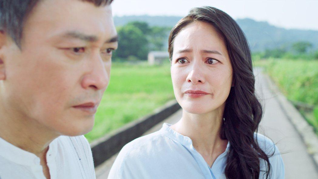 Janet(右)和王識賢在「神之鄉」中飾演離異夫妻吵架戲很有爆發力。圖/東森提供
