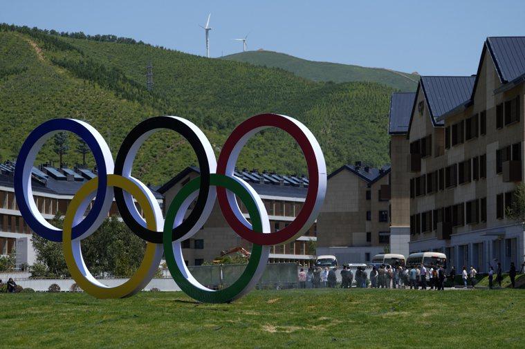 東京奧運在今天傳出於選手村內爆發首起新冠肺炎確診案例,而經證實該名確診人員為「奧...