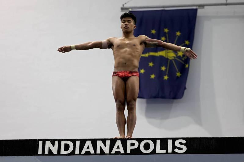 美國跳水選手溫德爾原本是柬埔寨的孤兒,在被美國同志爸爸領養後,如今他成為一名奧運跳水選手。 法新社