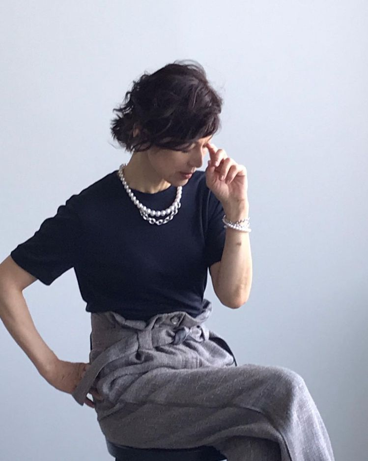 鈴木保奈美常為《Precious》雜誌拍攝時尚畫報。圖/取自IG