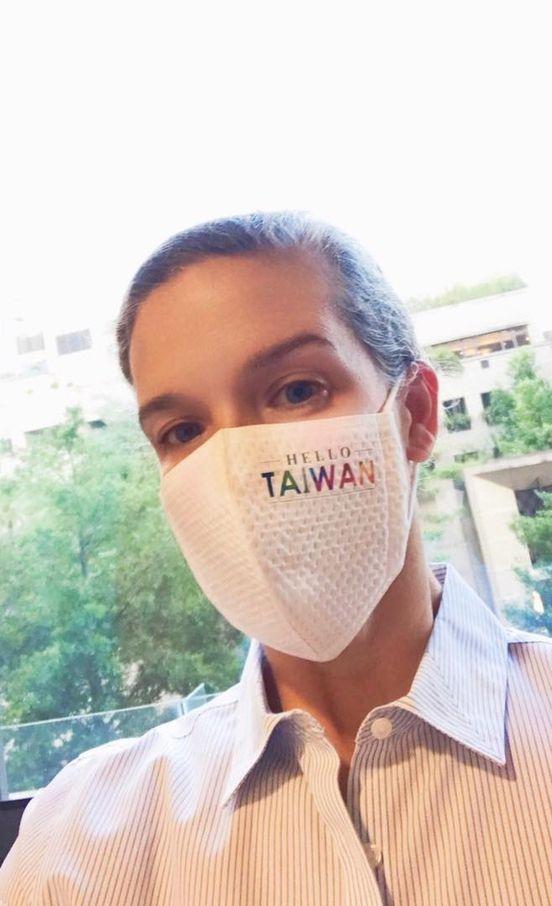 AIT新任處長孫曉雅(Sandra Oudkirk)已經抵台,目前正在居家檢疫。圖/取自AIT臉書