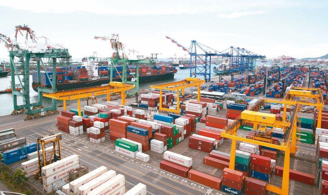 財政部公布6月出口366.5億美元,是歷年單月次高。(本報系資料庫)