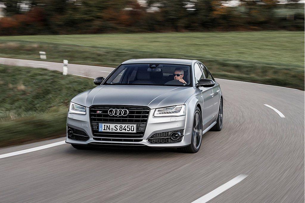 動態全輪轉向系統為目前轉向系統中頂尖的技術,四環旗下如Audi S8、Audi ...
