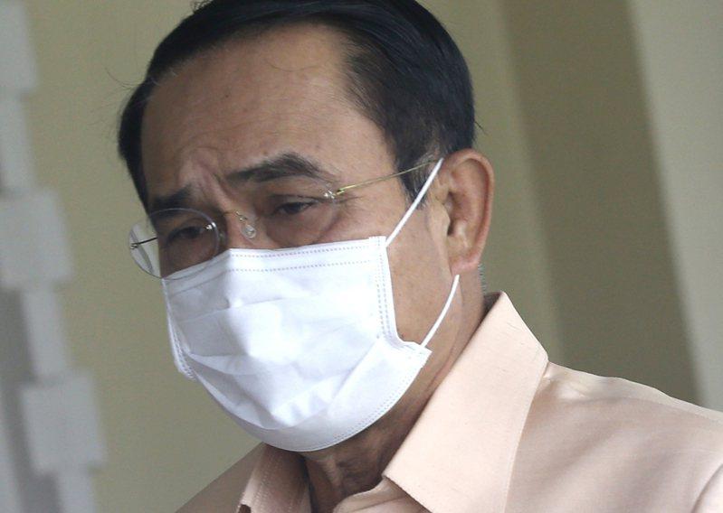 泰國近期疲於應對第三波疫情,嚴峻情勢讓民眾對政府的憤怒與日俱增。曼谷今(18日)出現大批示威民眾,要求總理帕拉育(圖)下台。 歐新社
