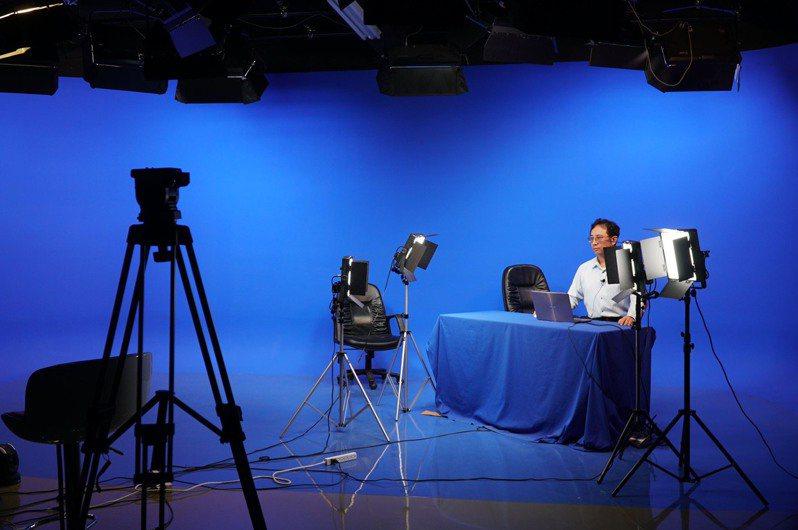 新竹縣自製公播遠距學習課程,透過YouTube平台線上播出。圖/新竹縣政府提供