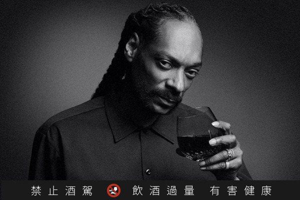 嘻哈教父史奴比狗狗攜手19 Crimes 聯名紅酒三週完售