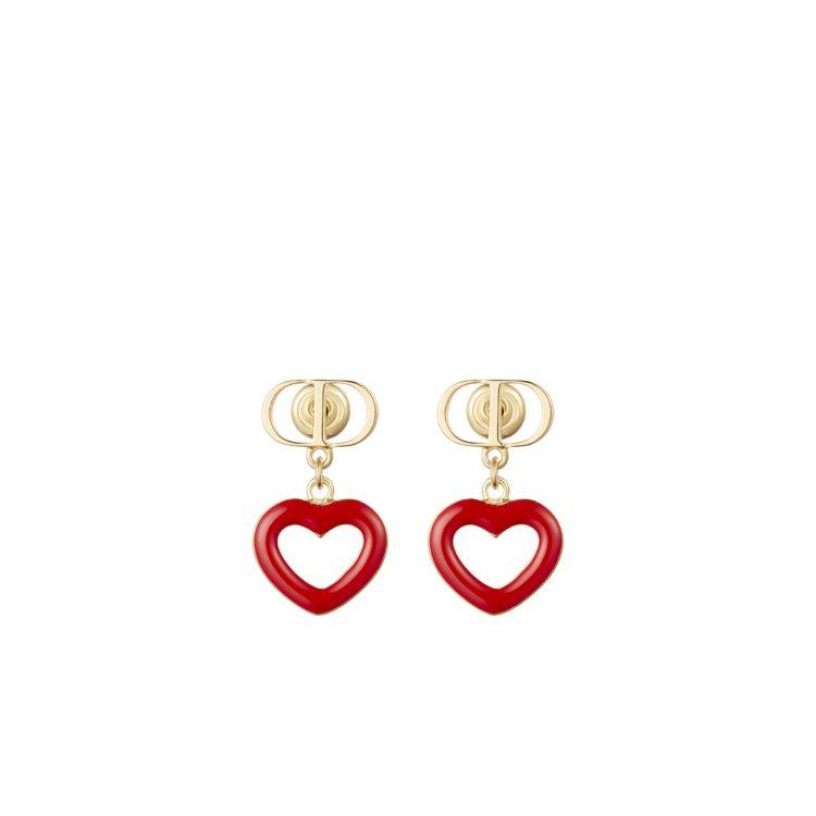 Dioramour紅漆愛心耳飾,14,000元。圖/DIOR提供