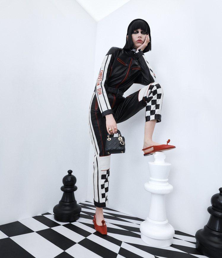 今年DiorAmour膠囊系列的形象廣告,由當紅的俄羅斯模特兒Sofia Ste...