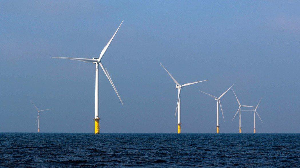 南韓國營公用事業「韓國電力公司」開發新技術架設離岸風電機,能夠以更快、更省錢的方...